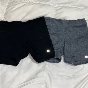 GAP DRY FIT YOGA SHORTS 2 FOR 1